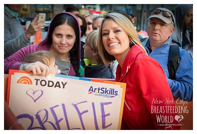 NURSE-IN-NYC-Breastfeeding-World-Alegares-Photography-7
